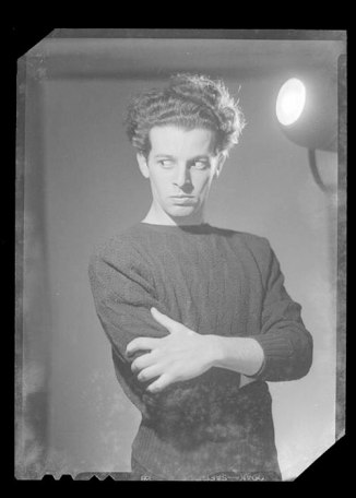 5_alejandro-jodorowsky-photographed-by-alfredo-molina-la-hitte-c-1955