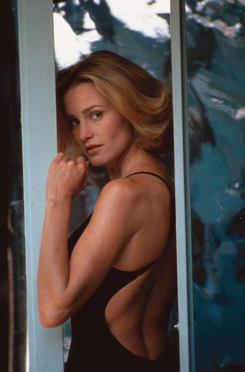 22_Jessica Lange by Douglas Kirkland.jpg