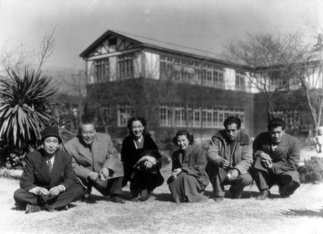 20_Akira Kurosawa, Takashi Shimura, Setsuko Hara, Yoshiko Kuga, Masayuki Mori and Toshiro Mifune, On the of The Idiot,1951..jpg