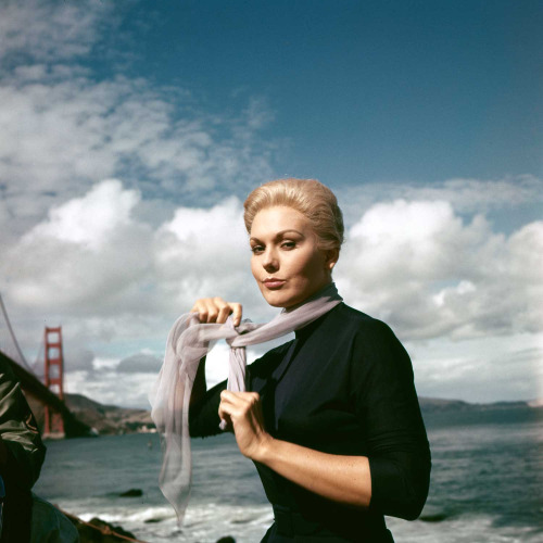 "Kim Novak on the set of ""Vertigo""2"