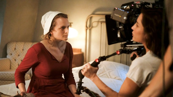 12_Elisabeth Moss and director Reed Morano on the set of The Handmaid's Tale (2017) TV.jpg