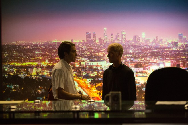 3_Dan Gilroy and Jake Gyllenhaal while filming Nightcrawler (2014)-1
