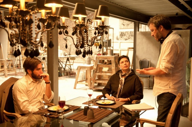 7_Denis Villeneuve gives direction to Jake Gyllenhaal and Isabella Rossellini on the set of Enemy..jpg