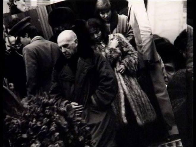 3_Chris Marker at Andrei Tarkovsky's funeral.jpg