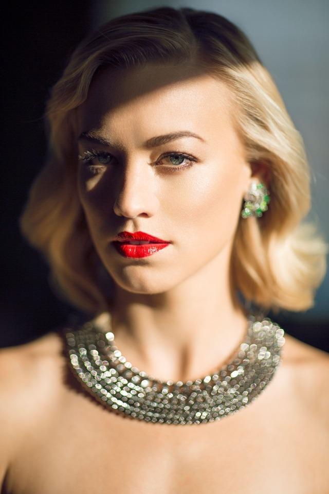 Yvonne Strahovski photographed by Mike Rosenthal-2.jpg