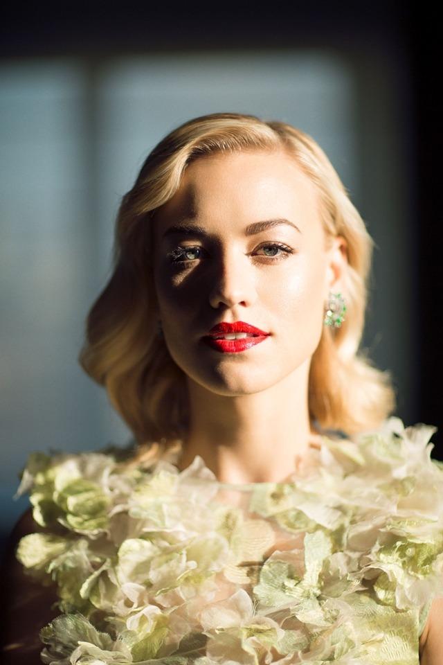 Yvonne Strahovski photographed by Mike Rosenthal.jpg