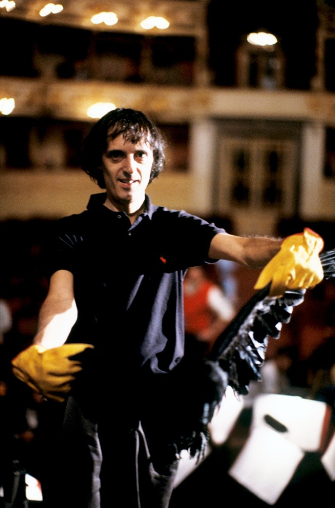 27_Dario Argento pictured on the set of Terror at the Opera.jpg