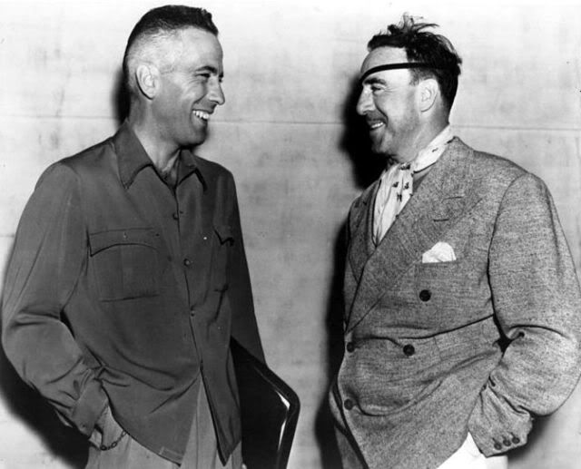 5_Humphrey Bogart and director Raoul Walsh,on the set of High Sierra 1941.jpg