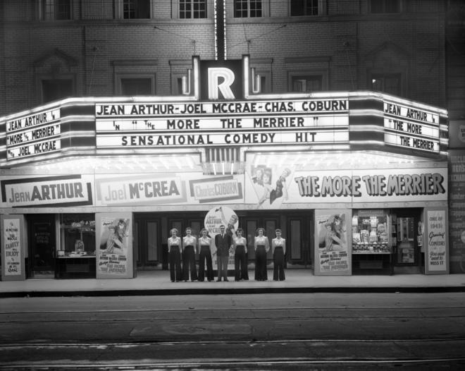 9_Rialto Theatre, Edmonton, Alberta, 1943.png