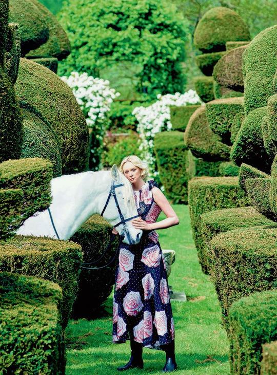Gwendoline Christie by Trent McGinn Harper_s Bazaar December 2014