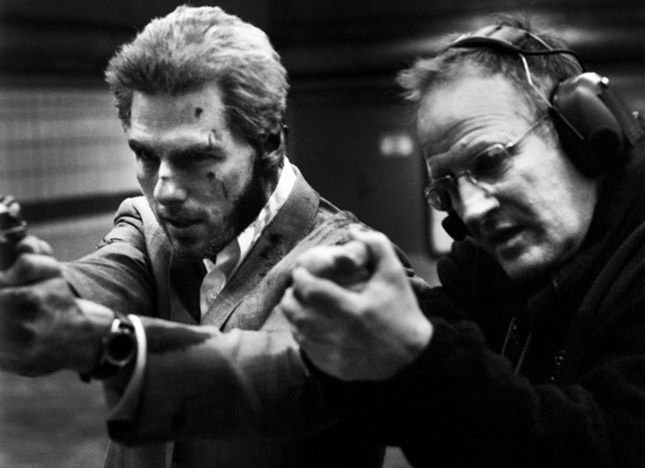 Michael Mann at work with Tom Cruise on 'Collateral' (2004.jpg