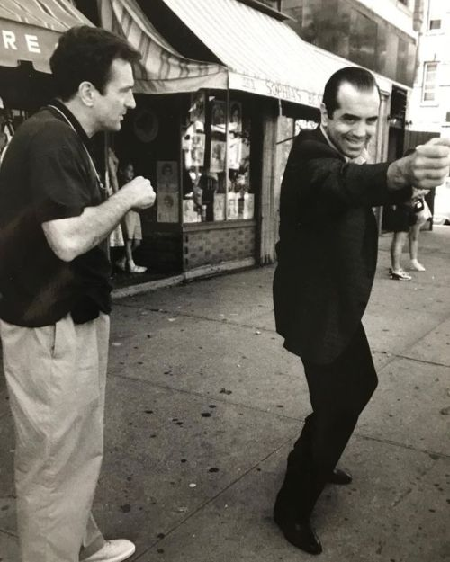 Robert De Niro and Chazz Palminteri behind the scenes of A Bronx Tale (1993) -2