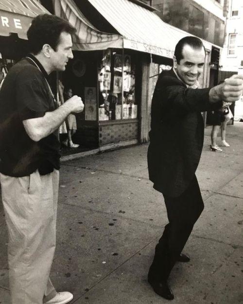 Robert De Niro and Chazz Palminteri behind the scenes of A Bronx Tale (1993) -2