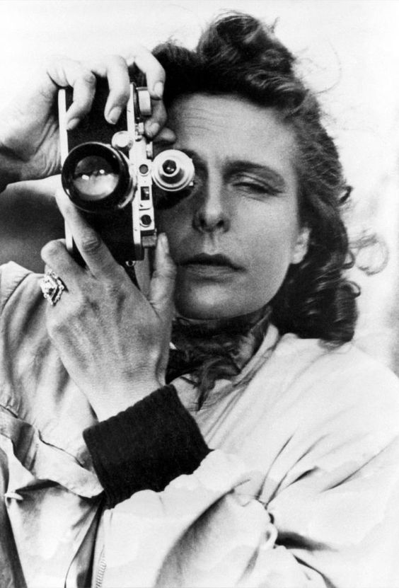 11_Leni Riefenstahl, self portrait with Leica camera, 1939.jpg
