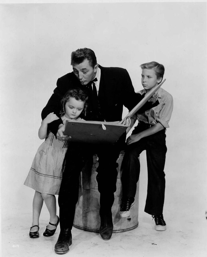 "Billy Chapin, Robert Mitchum and Sally Jane Bruce - Promoshoot for ""The Night of the Hunter"", 1955-1"