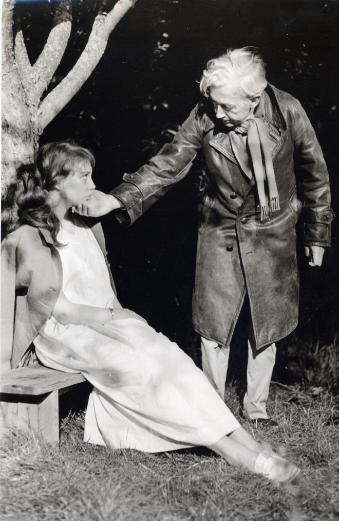 "6_Robert Bresson directing Anne Wiazemsky on the set of ""Au hasard Balthazar"""