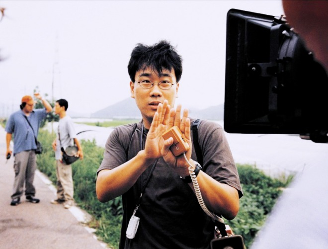 22_Joon-ho Bong on the set of 'Memories of Murder (2003)'.jpg