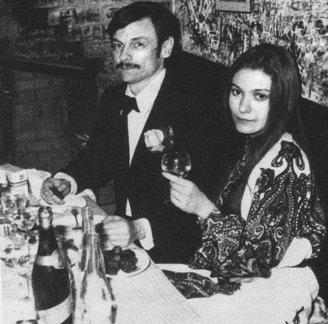 18_Andrei Tarkovsky and Natalya Bondarchuk.jpg