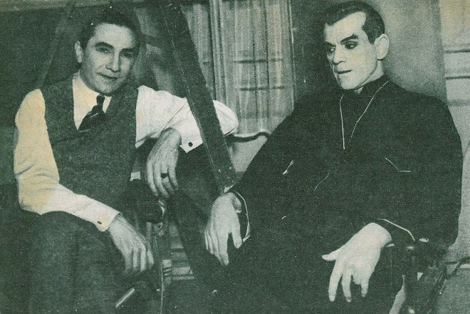 25_Bela Lugosi and Boris Karloff on the set of The Black Cat (1934).jpg