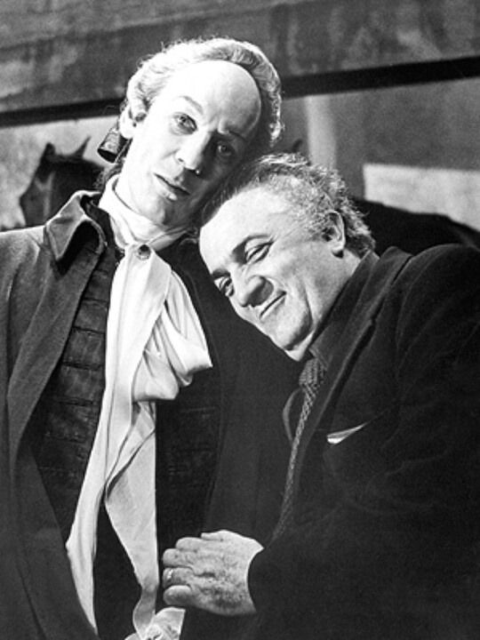 26_Donald Sutherland and Federico Fellini on the set of Fellini's Casanova..jpg