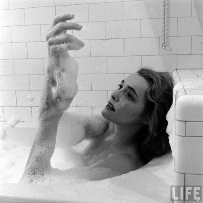 Patricia Neal, Chicago, 1949, by Edward Clark, Life magazine-3