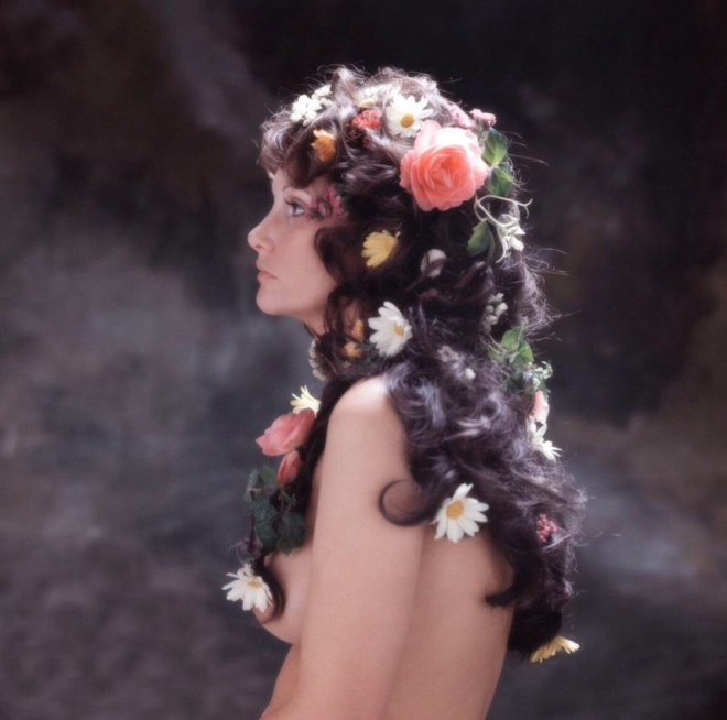 21_Linda Lovelace, Los Angeles, 1973. by Milton H Greene.jpg