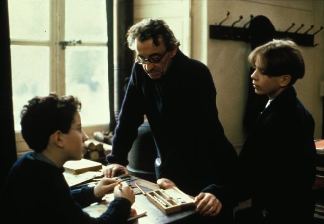 13_Raphaël Fejtö, Director Louis Malle and Gaspard Manesse on the set of Au Revoir, Les Enfants.jpg