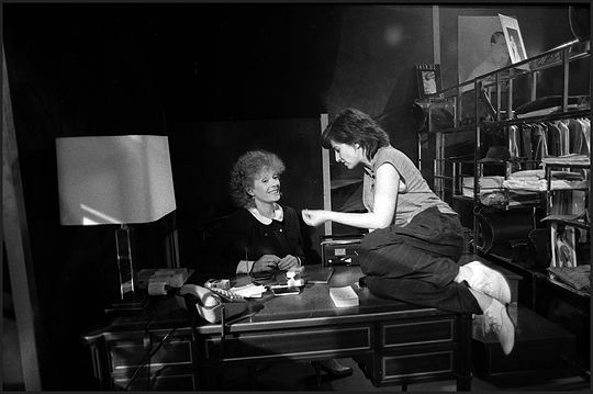 24_delphine seyrig and chantal akerman on the set of golden eighties.-2