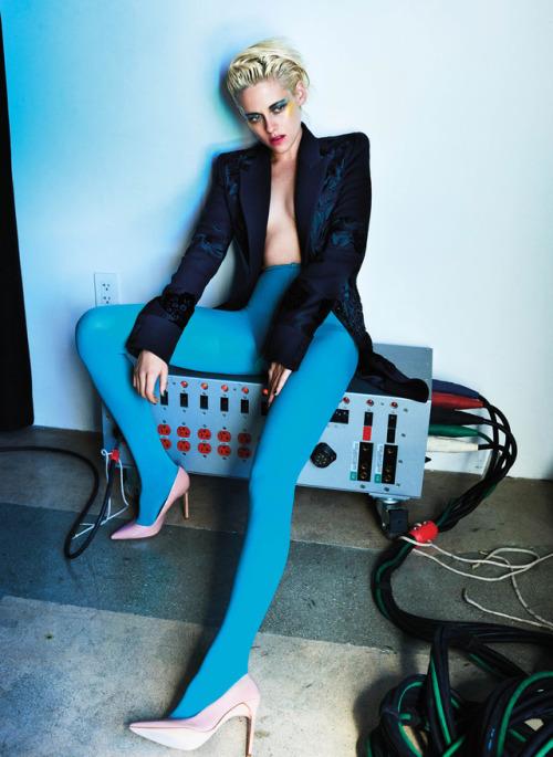 26_Kristen Stewart by Mario Testino.jpg