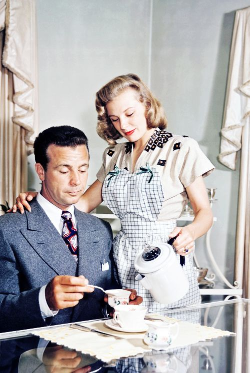 29_June Allyson and husband, Dick Powell (ca. 1947).jpg