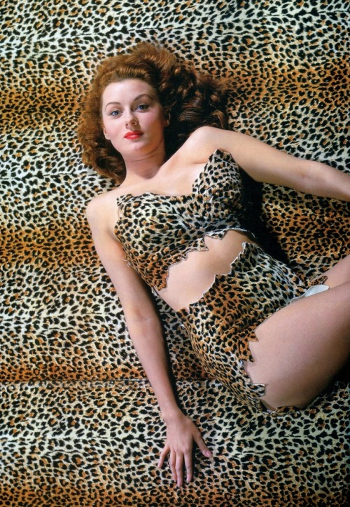 31_Rhonda Fleming photographed by Madison Lacy, 1944.jpg
