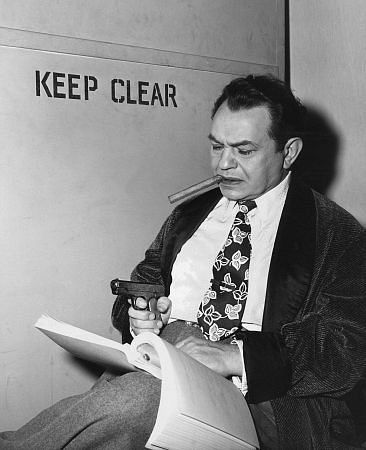 Edward G. Robinson behind the scenes of Key Largo, directed by John Huston, 1948.jpg