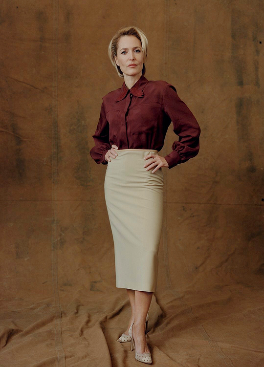 10_Gillian Anderson photographed by Ben Weller for British Vogue-2