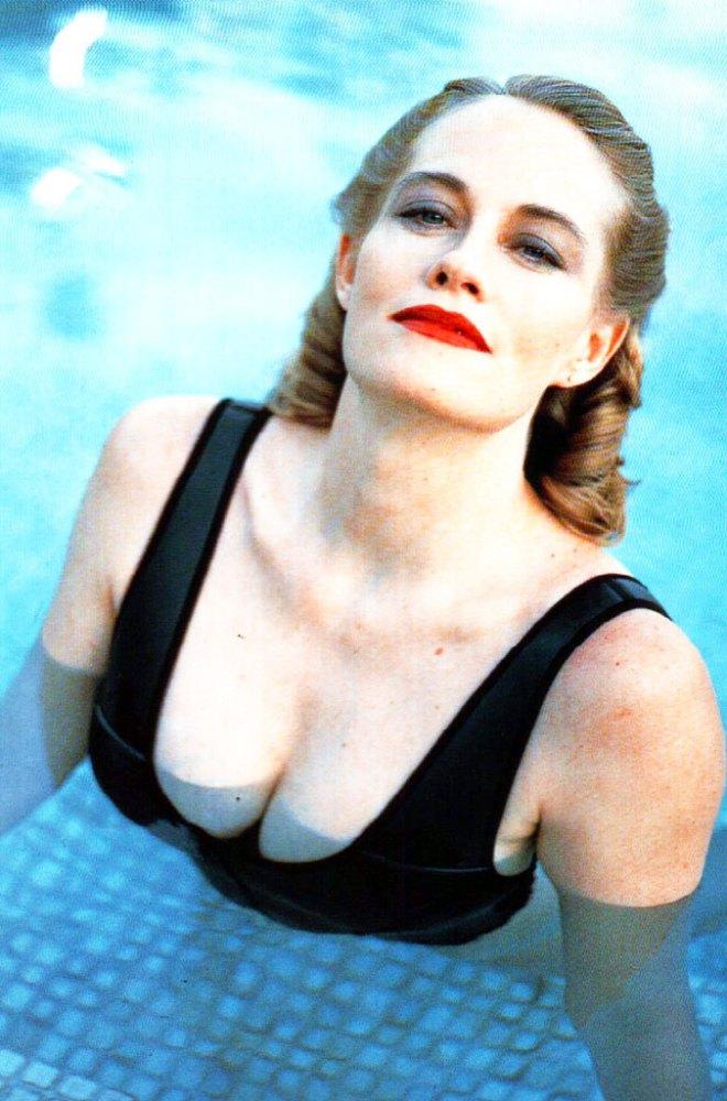 20_Cybill Shepherd photographed by Helmut Newton, 1988.jpg