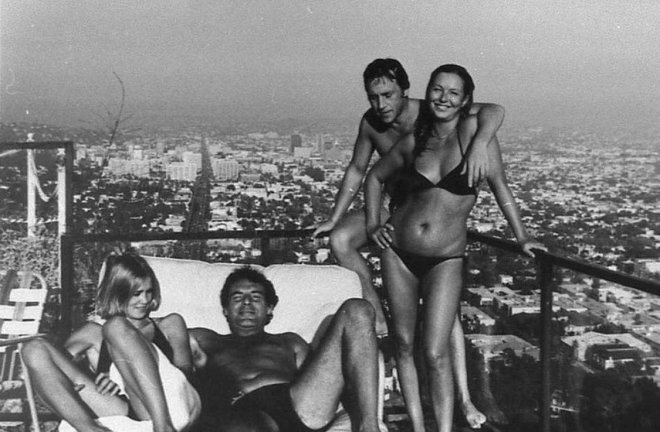 21_Jessica Lange, Milos Forman, Vladimir Vysotsky, Marina Vladi. Los Angeles, 1976.jpg