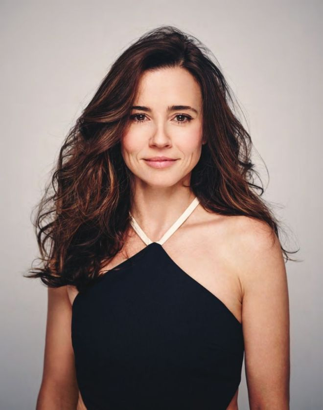 Linda Cardellini – Backstage Magazine May 19, 2016 -3