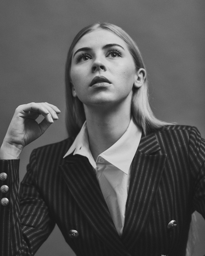 6_Hermione Corfield for Phoenix Magazine UK_1