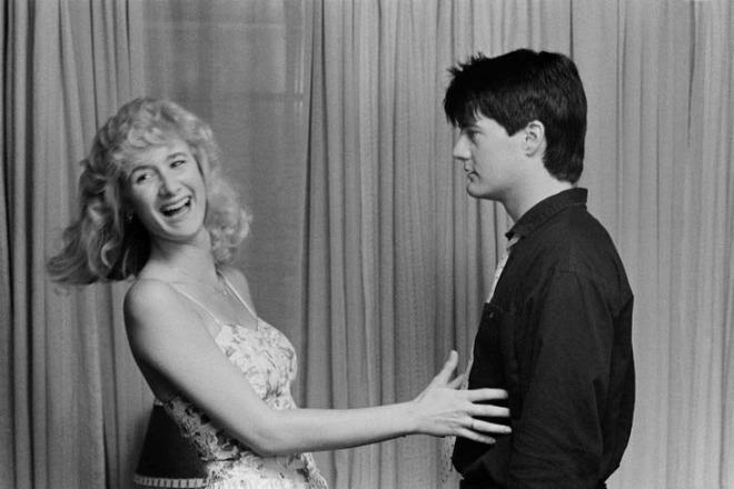 Laura Dern and Kyle MacLachlan on the set of Blue Velvet-2.jpg