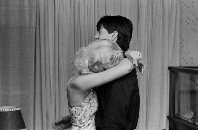 Laura Dern and Kyle MacLachlan on the set of Blue Velvet-3.jpg