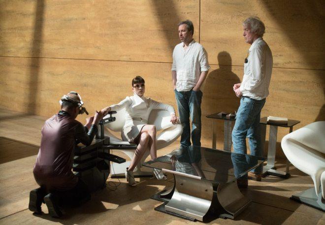 31Sylvia Hoeks, Director Denis Villeneuve and Cinematographer Roger Deakins on the set of Blade Runner 2049..jpg