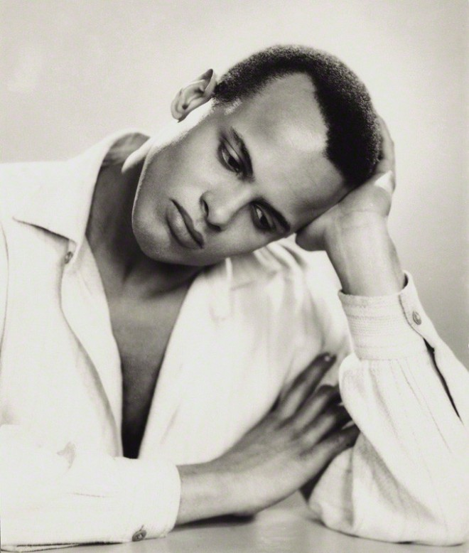 Harry Belafonte by Photo by Dorothy Wilding 1954.jpg