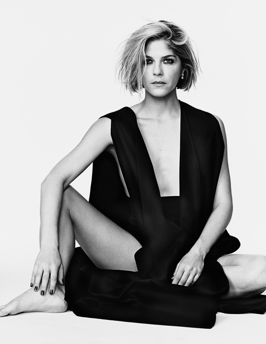 Selma Blair by Cass Bird for Vanity Fair magazine March 2019-4.png