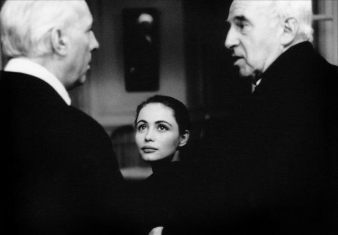 "5_Claude Sautet, Michel Serrault and Emmanuelle Beart on the set of ""Nelly and Monsieur Arnaud"".jpg"