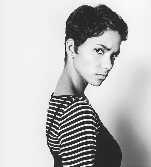 Halle Berry photographed by Michel Haddi, 1997.jpg
