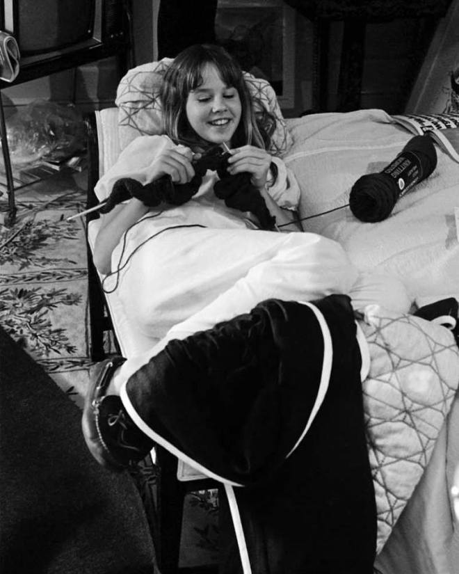 6_Linda Blair knitting in between takes on the set of The Exorcist.jpg
